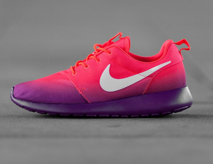 SMMF: Nike WMNS Roshe Run Print Laser Crimson/White-Bright Grape @Nike