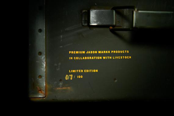 livestock-jason-markk-premium-sneaker-cleaning-kit-10-570x380