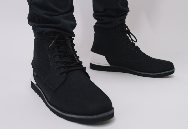 vans all black boots