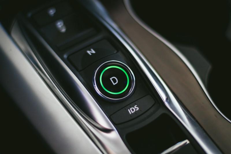 2015 Acura TLX-9