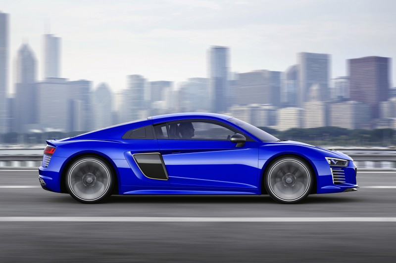 audi-r8-etron-piloted-driving-ces150146-1