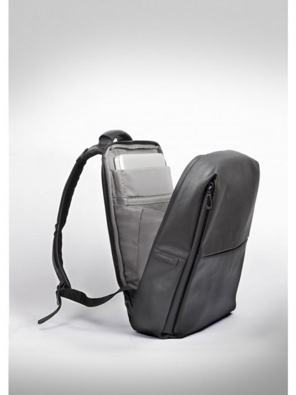 cc_rhine-flat-backpack_coated-canvas_laptop-2