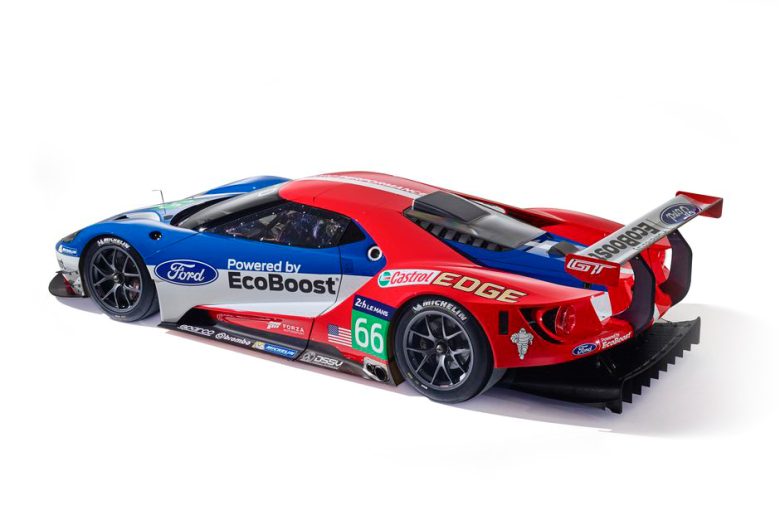 the-ford-gt-for-2016-lemans-is-unveiled-4