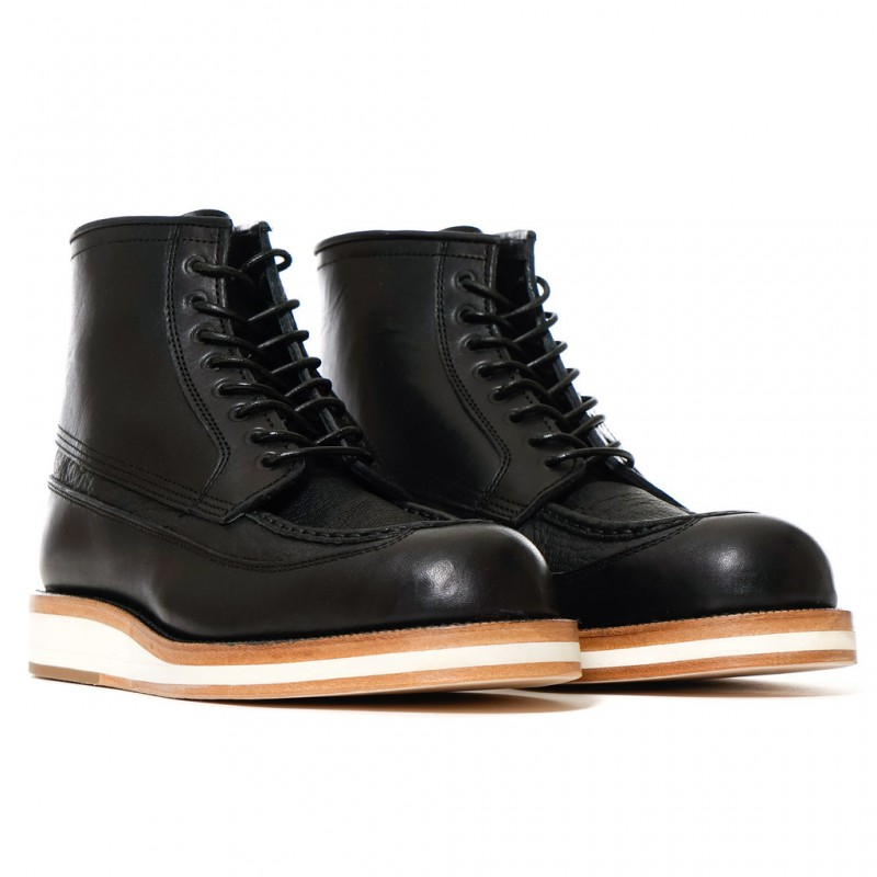 sacai-Hender-Scheme-Boots-Black-2_1024x1024