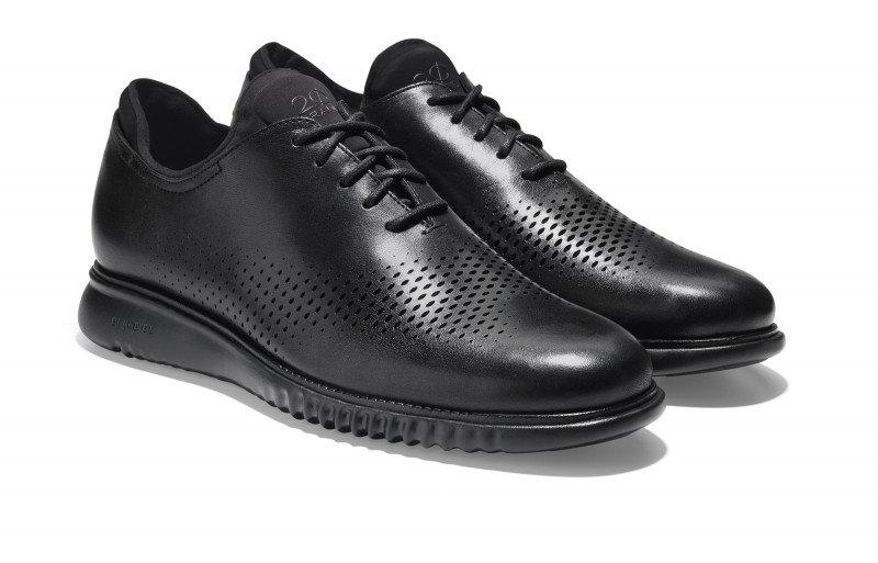 Cole Haan_2.ZERØGRAND Wing Oxford_Black Leather