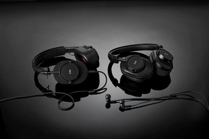 Master & Dynamic & Leica Join Forces for Signature Collection @MasterDynamic @leica_camera #MDxLeica095